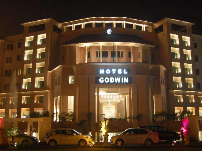 hotel godwin in rajaji national park